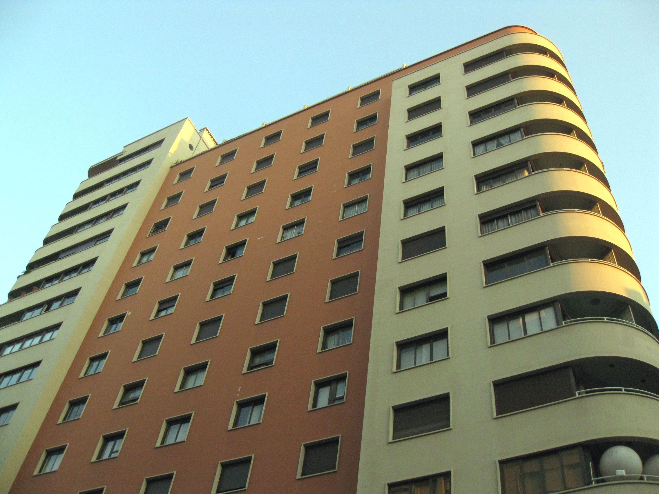 Edifici Fàbregas, gratacel Urquinaona