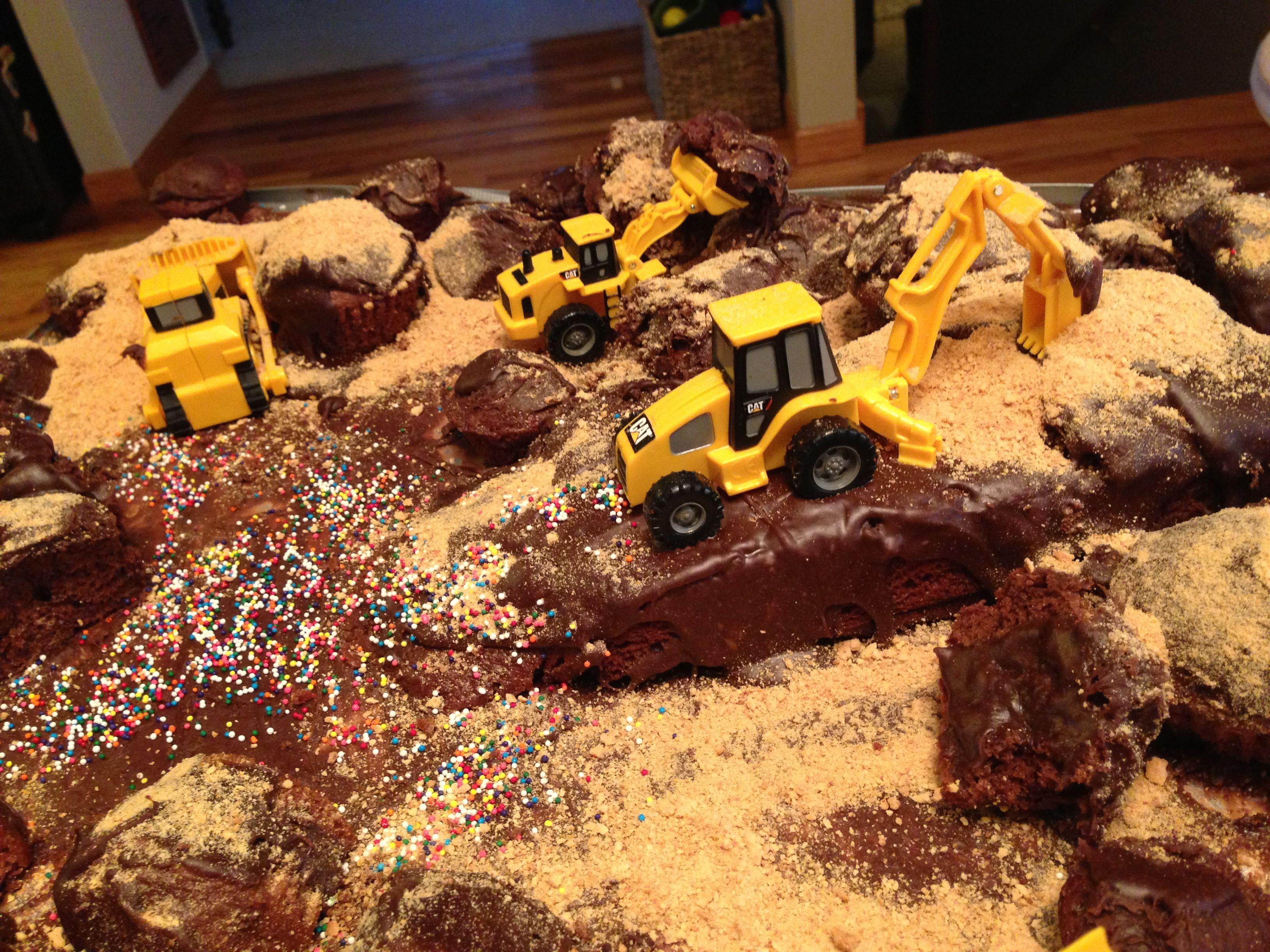 construction zone toddler boy birthday cake baby bu pinterest