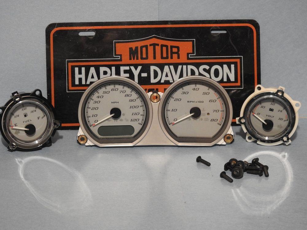 Harley Davidson 2015 Silver Street Glide Speedometer