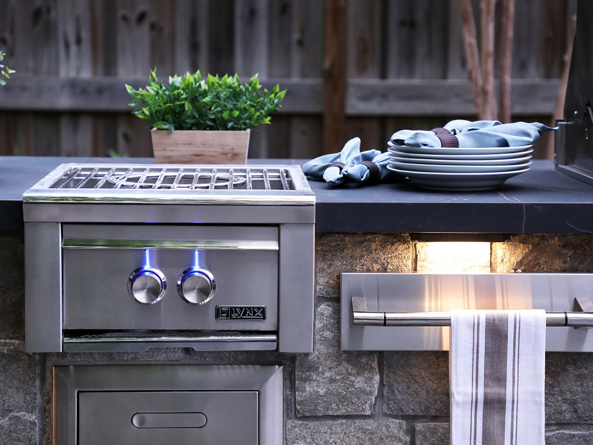 Incredible Stainless Outdoor Kitchens Lynx Grills Outdoor Kitchen Appliances Outdoor Kitchen