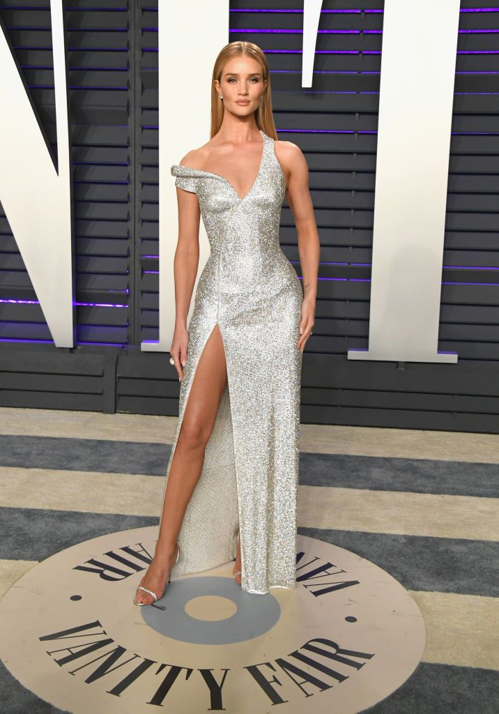 4da69ae9dfa Rosie Huntington-Whiteley attends the 2019 Vanity Fair Oscar Party ...