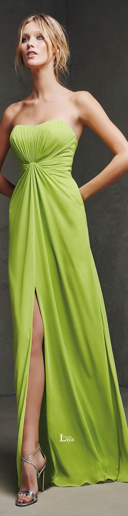 Vestido de Noche de Pronovias para la colección 2016.