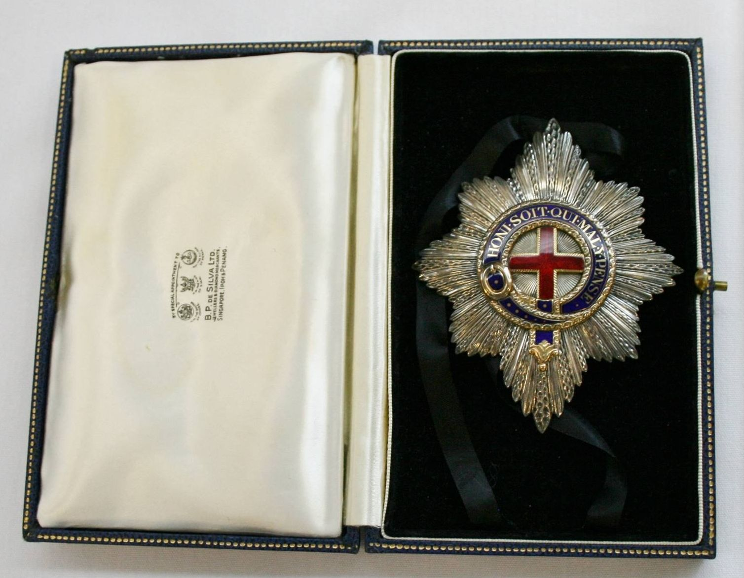 Order Of The Garter Personal Star Belonged To Richard Gavin Gardiner Casey Baron Casey Kg Gcmg Ch Order Of The Garter Royal Decorations Military Decorations