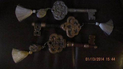 Set of three decorative keys