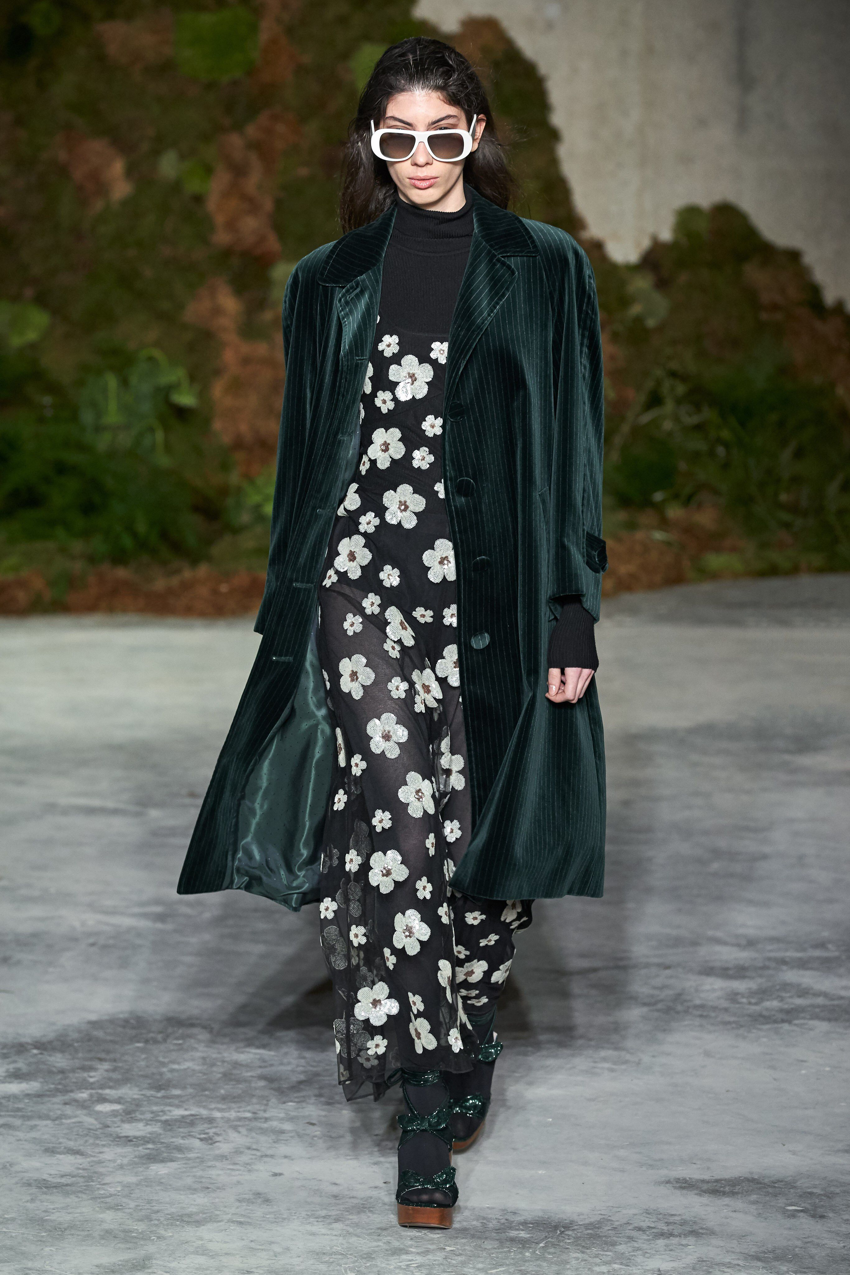 6a4974653b300e ALEXACHUNG Fall 2019 Ready-to-Wear Fashion Show Collection: See the  complete ALEXACHUNG Fall 2019 Ready-to-Wear collection. Look 25