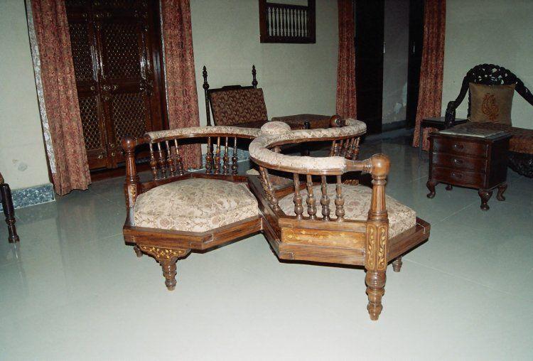 Antique gossip chair. I've never seen one designed to seat three. - Antique Gossip Chair. I've Never Seen One Designed To Seat Three
