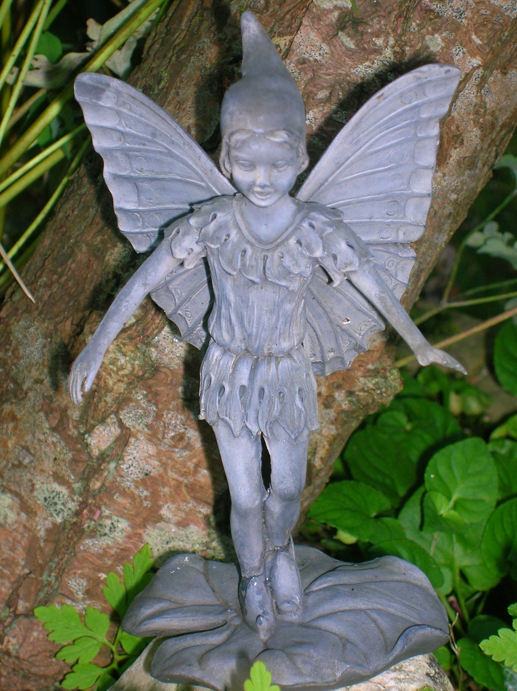 How To Make A Fairy Garden Fairy Statues Fairy Garden Houses Mini Fairy Garden