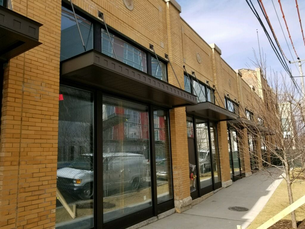 Masa Extrudeck Canopies With Custom Fascia At North Fremont Retail In Chicago Il Architecture Design Metal Americanmad Custom Canopy Awning Canopy Canopy