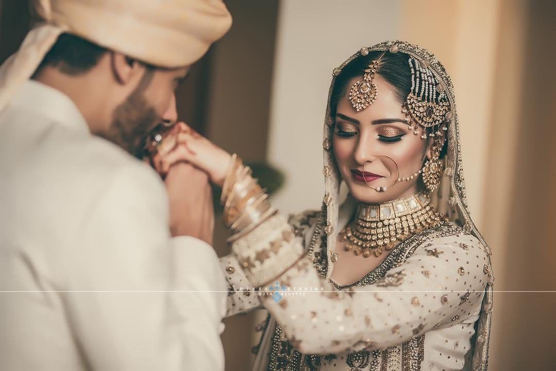 Dulha Dulhan On Instagram Oh My She Looks Divine Captured By Pixelstudiosofficial Indian Wedding Photography Bridal Jewelry Dulhan