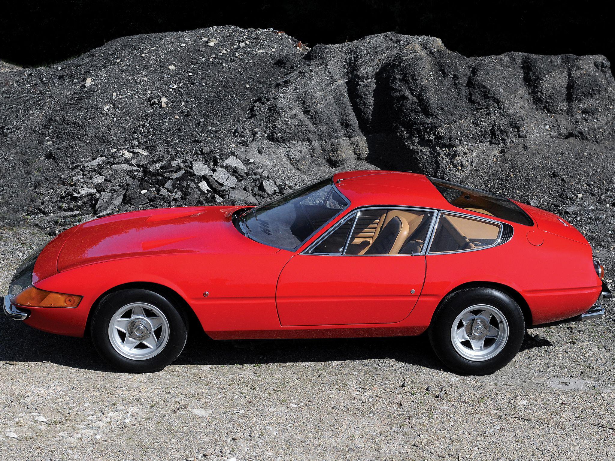 Ferrari 365 gtb 4 daytona uk spec 1968 71