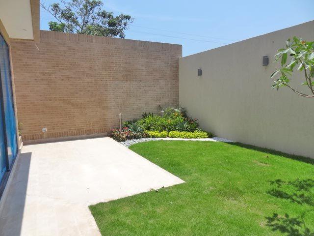 Conjunto residencial ancares campestre casa modelo patio for Modelos de patios y jardines