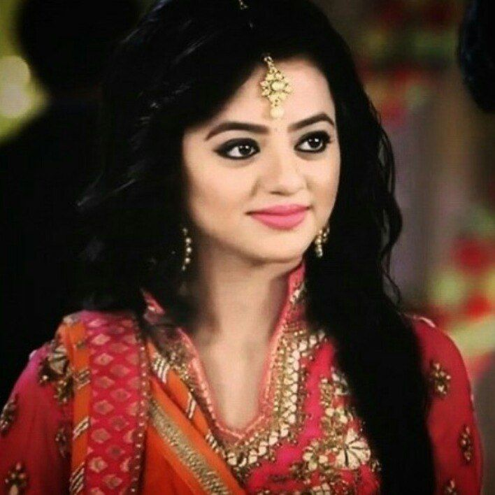 Pin By Pallavi V On Helly Shah Indian Tv Actress Indian Photoshoot Helly Shah
