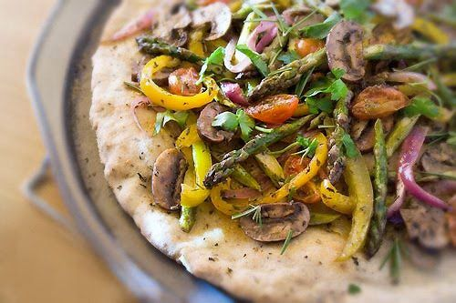 Karina's @karinaallrich Gluten-free pizza flat bread recipe with roasted vegetables. So beautiful and no doubt fabulous! #glutenfree #dairyfree #vegan