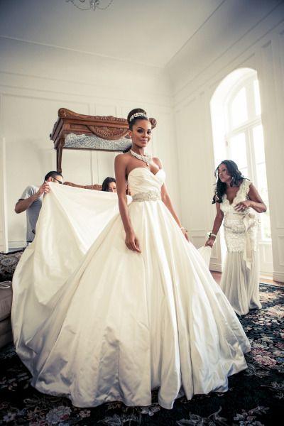 Former Miss USA Crystle Stewart givesStyle Me Pretty a peek inside her Wedding