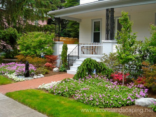 Traditional front yard garden landscaping walkway for ranch style ...