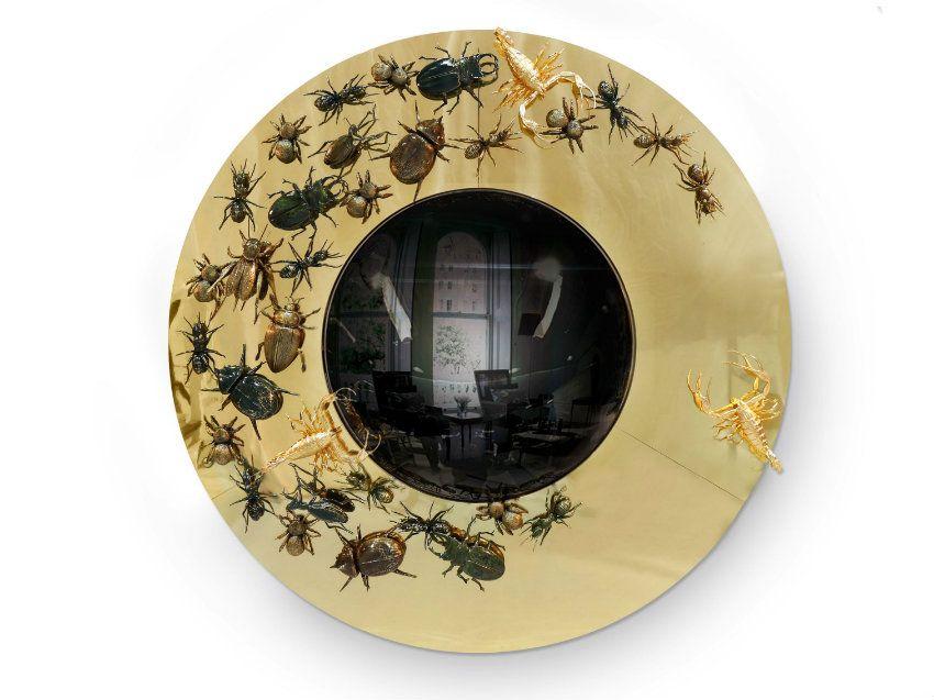 Atemberaubend Möbel für modernen Einrichtungsstil | Metamorphosis Spiegel von Boca do Lobo mit Insekten. Exklusiv Design. Gold Spiegel mit Insekten in Kafkas inspiriert. | #innenarchitektur #luxus #luxusmobel #sideboard | http://wohn-designtrend.de/atemberaubend-moebel-fuer-modernen-einrichtungsstil/?preview_id=10964&preview_nonce=d4f700d403&post_format=standard&preview=true