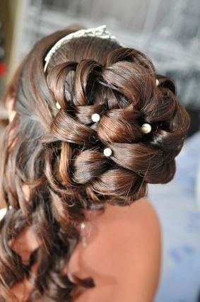Le Mariage De Anthony Et Jessica A Eysines Gironde Mariages Net Coiffure Mariee Chignon Mariage Coiffure Mariage
