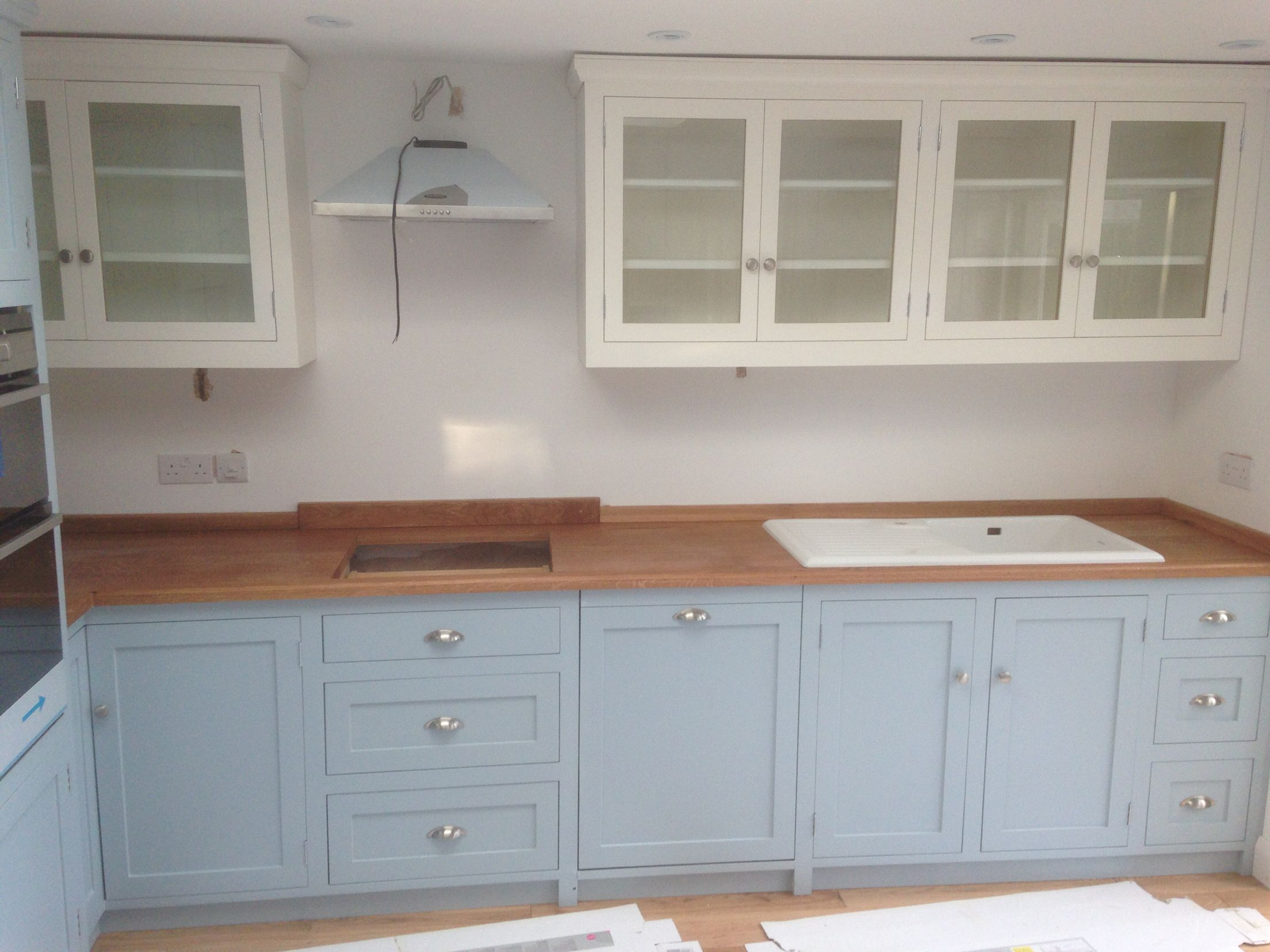 Features Parma Grey Base Units And Strong White Glazed Wall Units Handmade Kitchens Bespoke Kitchens Kitchen Cabinet Design Kitchen Cabinets Kitchen Design