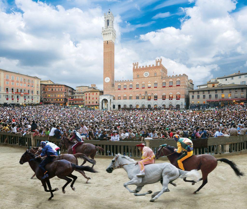 """DISCOVER SIENA:: IL PALIO DI SIENA """"Piazza del Campo"""" is still ..."""