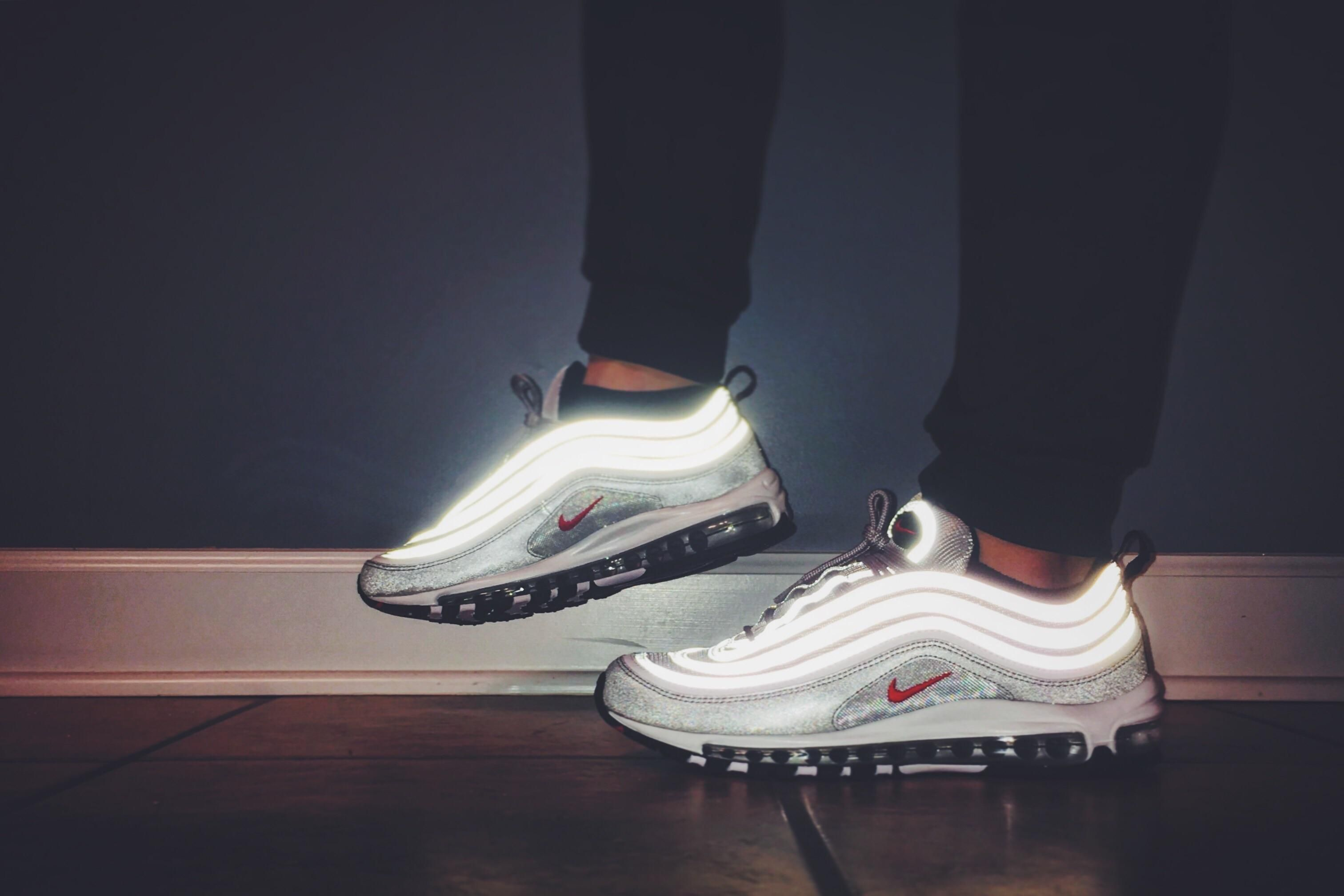Air Max 97 Noir Wmns  / White-barres Reddit