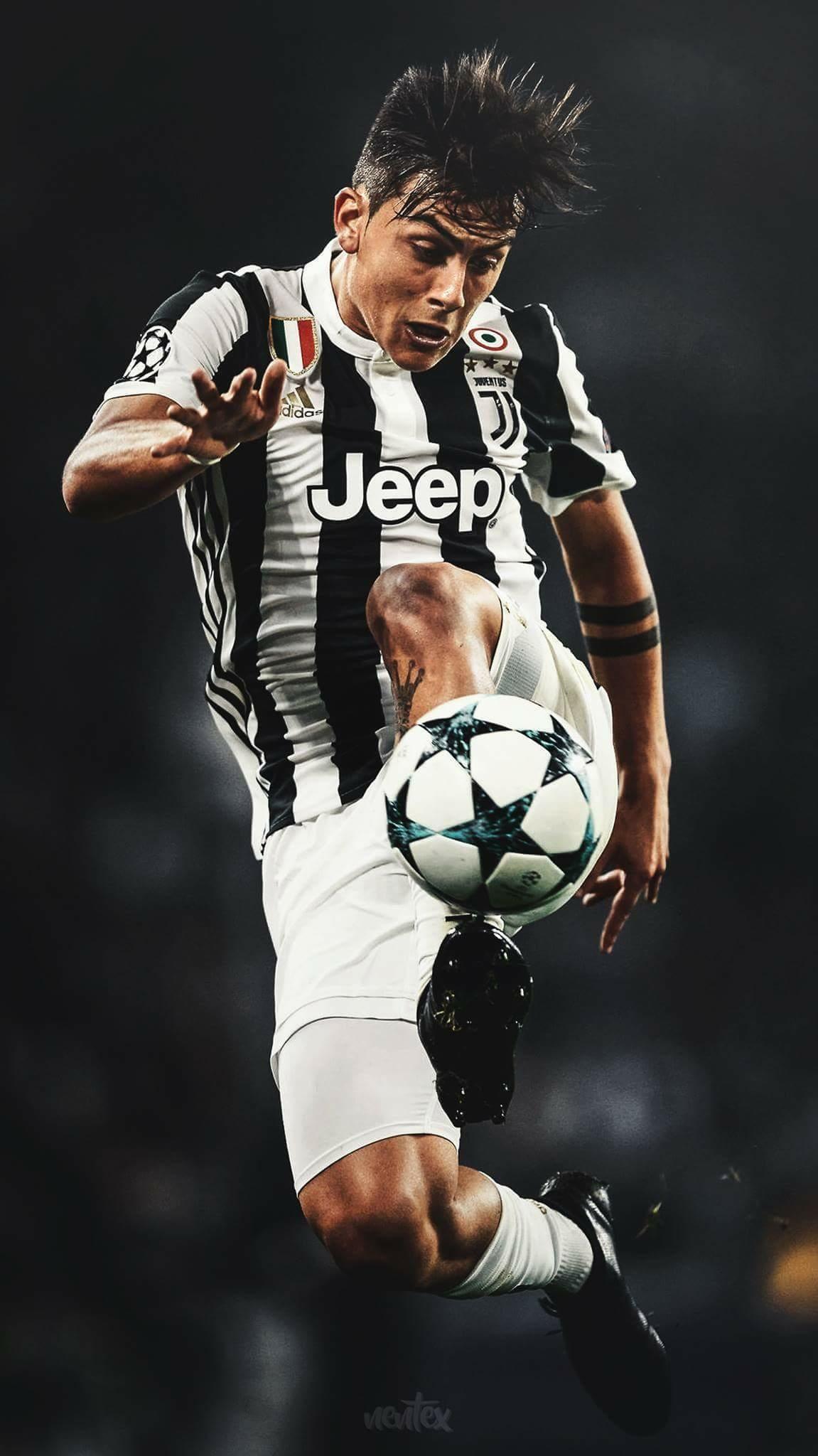 football wallpaper Juventus, Sports anime, Ronaldo