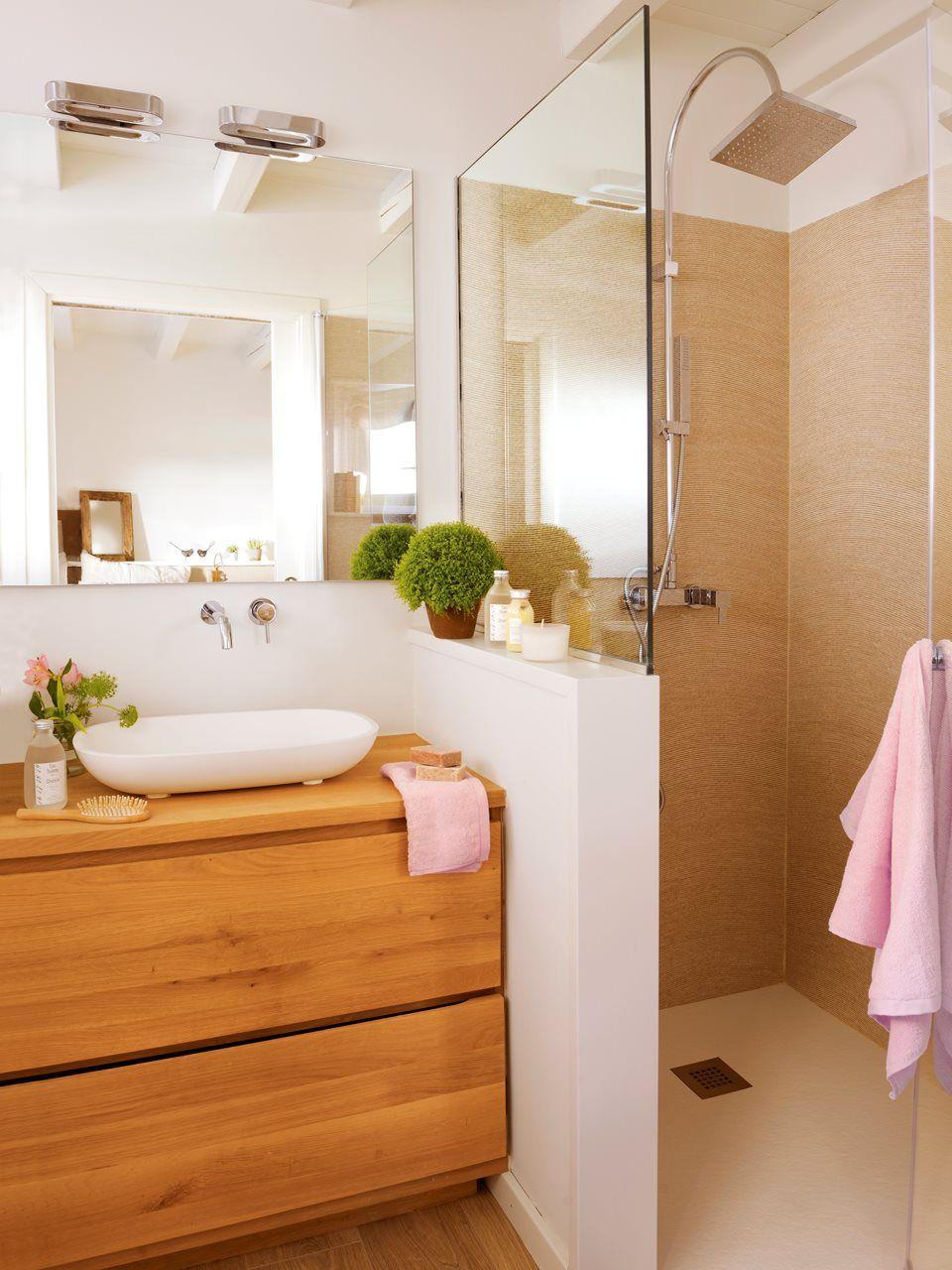 3 ba os peque os con ducha muy bien resueltos cocinas y ba os cosas para casa - Banos muy pequenos ...