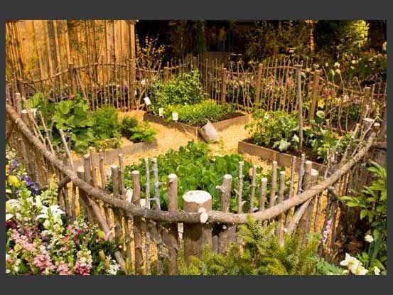 veg garden natural fence I love this fence -   22 urban garden fence ideas