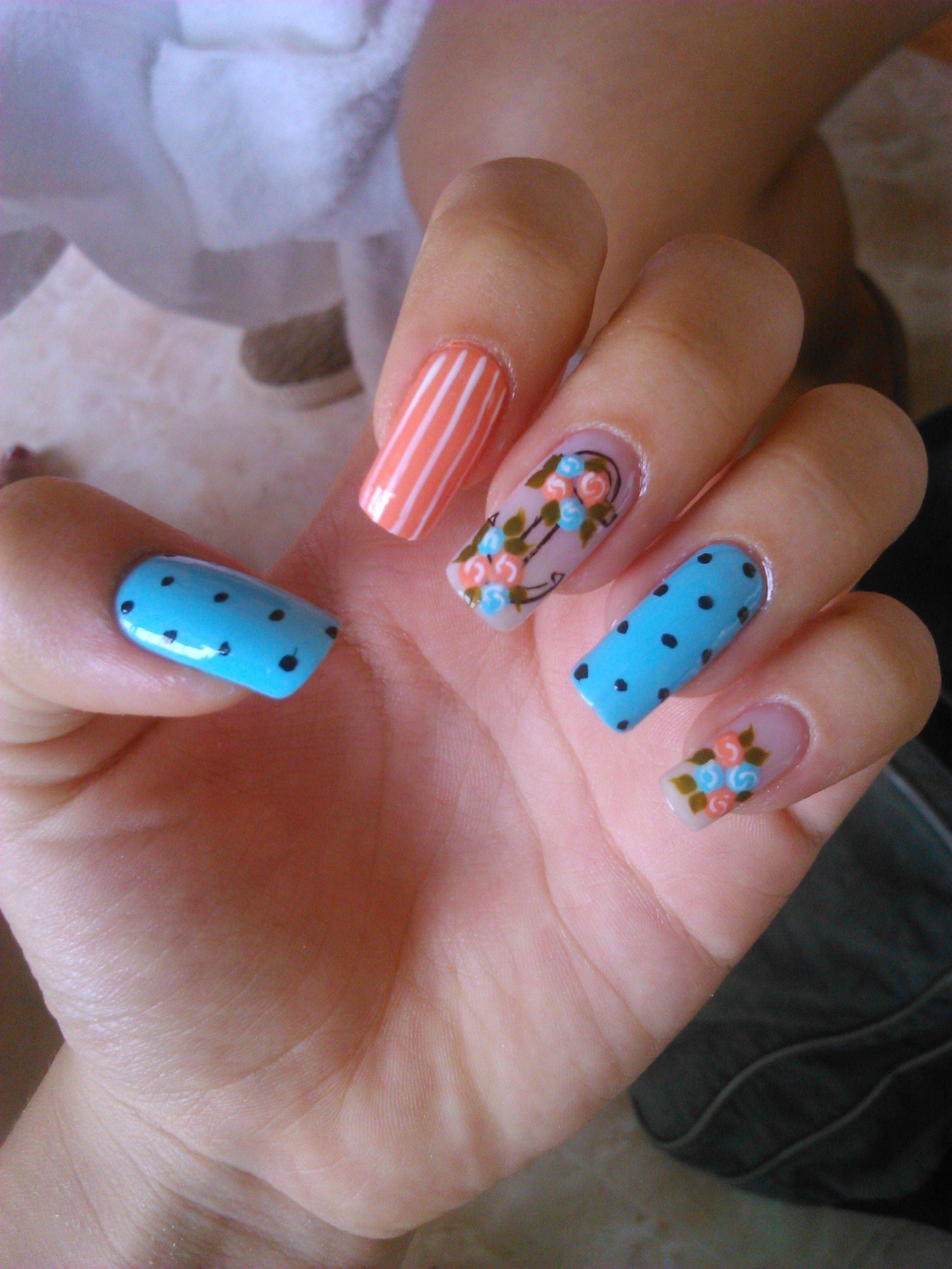 diseño uñas moda color cabello mujer uñas largas