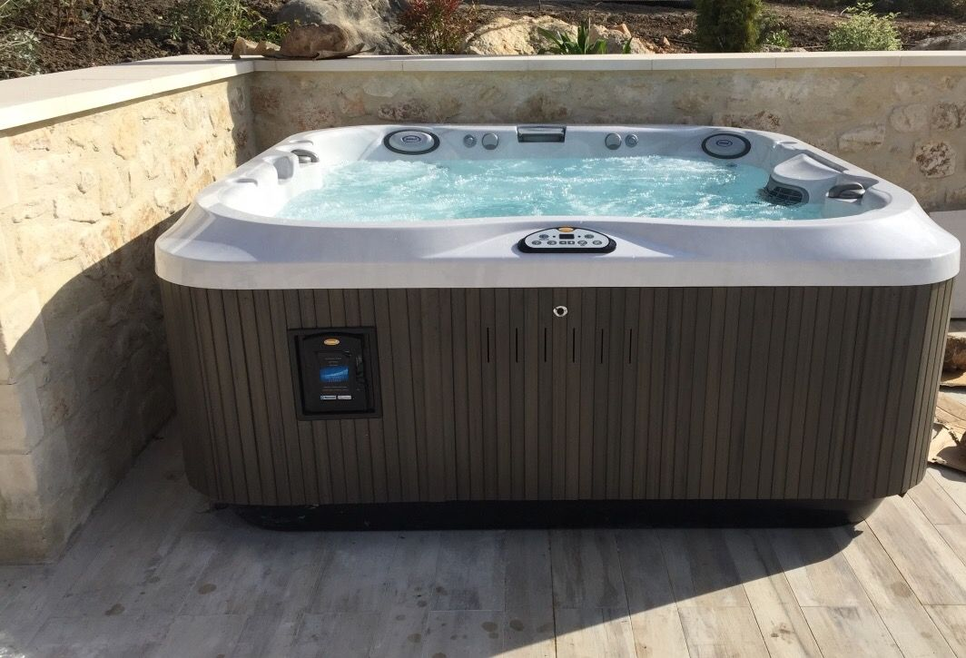 spa jacuzzi j 335 4 5 places installation pos e jacuzzi pinterest jacuzzi hot tubs. Black Bedroom Furniture Sets. Home Design Ideas