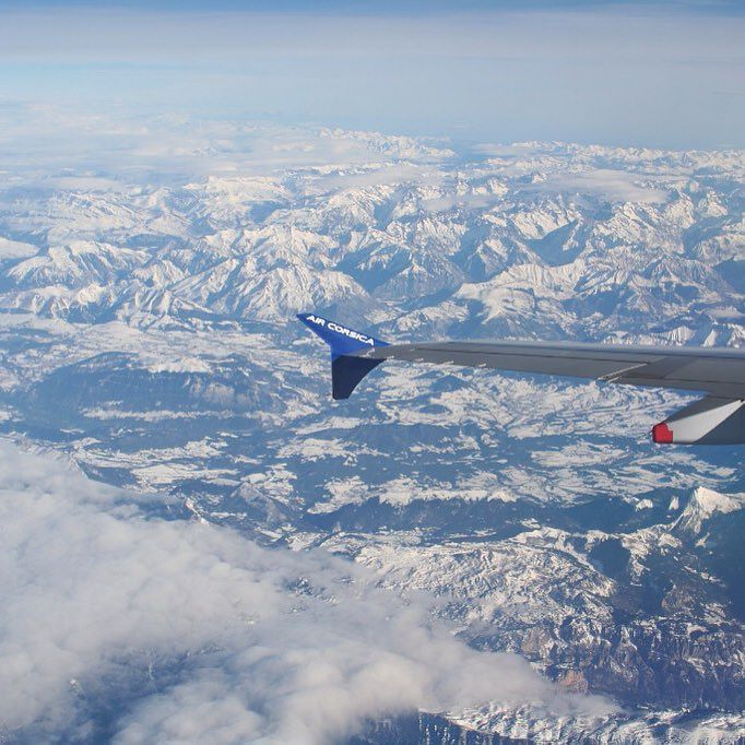 Au dessus des #Alpes en #A320 #Airbus #avgeek #aircraft #instaaviation #airlines #corsica #snow #sky