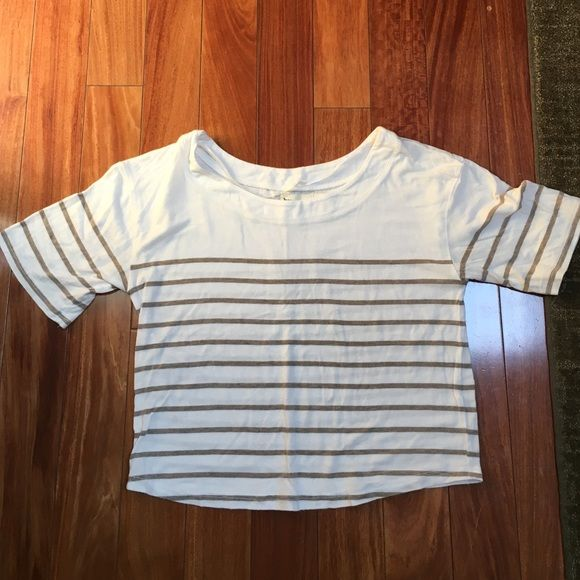 Urban outfitters crop top White and khaki striped crop top from urban outfitters Urban Outfitters Tops Crop Tops