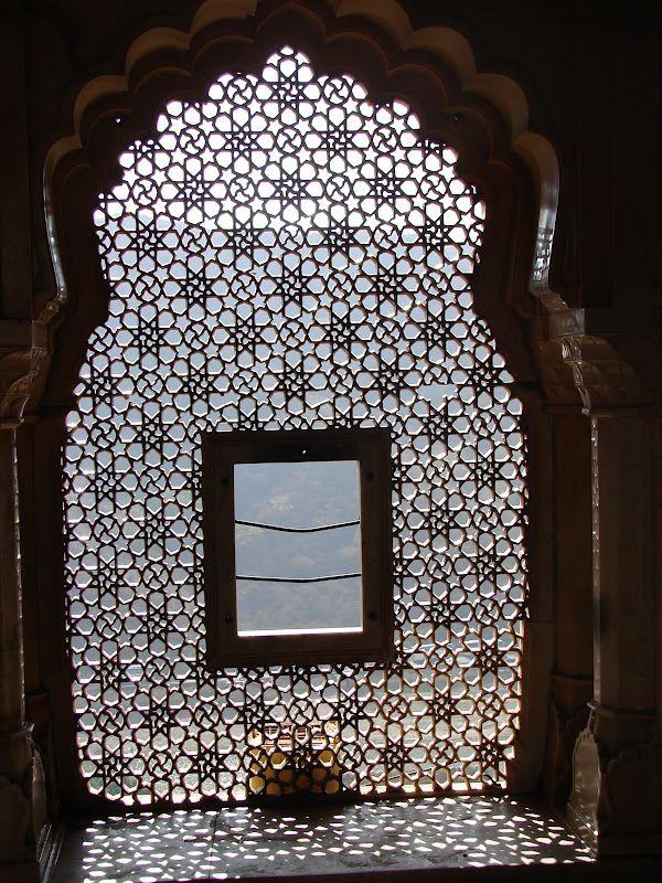 moucharabieh inde moucharabieh decorative window. Black Bedroom Furniture Sets. Home Design Ideas