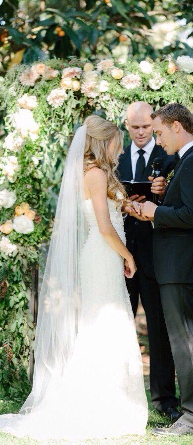 Bridal Hair Comb Wedding Hair Comb Bridal Hair Clip Bridal Headpiece Wedding Hair Piece Bridal Hair Piece Bridal Hair Accessories Hair Vine Chapel Length Wedding Veil Chapel Length Veil Veil Hairstyles