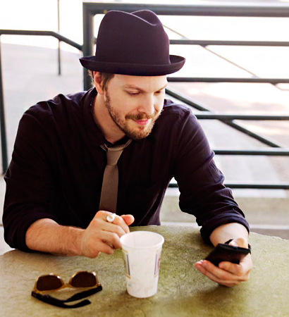 Gavin DeGraw ) Coffee and Gavin every morning would make