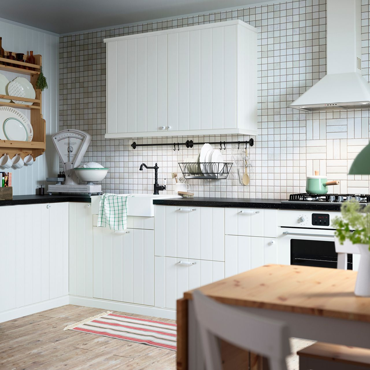 Ikea kitchens hittarp landhausstil kueche - The Perfect Space To Bake That Apple Pie Featured Products Hittarp Glittran