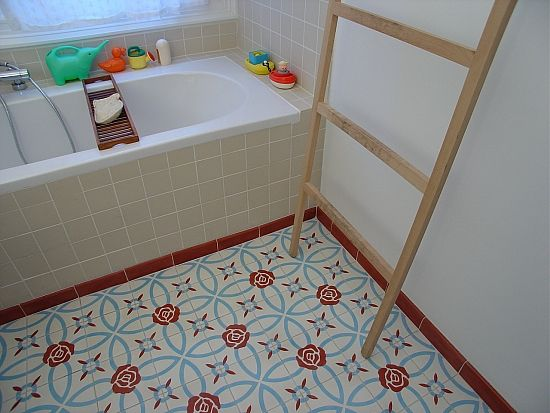 Cementtegels In Badkamer : Cementtegel met rozenpatroon in badkamer tegels & meer in petto