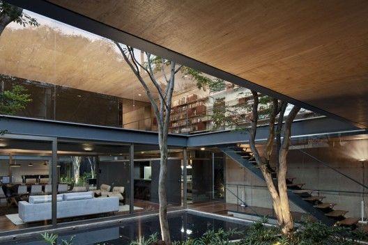 Fantastic Bacopari House / UNA Arquitetos