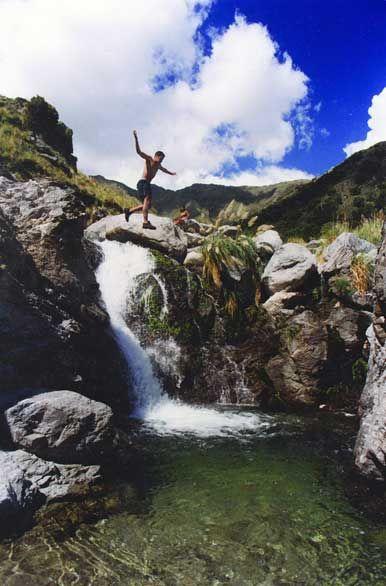 Cascada en la sierra, Villa de Merlo, San Luis, AR