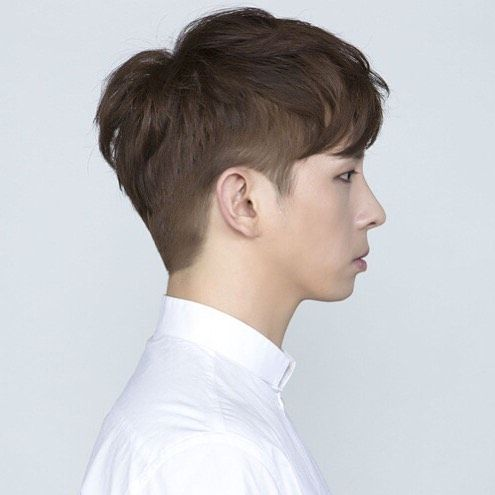 The Latest Hot Trend Among Kpop Idols And The Public Learn More About The Two Block Haircut And Some Celebr Two Block Haircut Korean Men Hairstyle Asian Hair