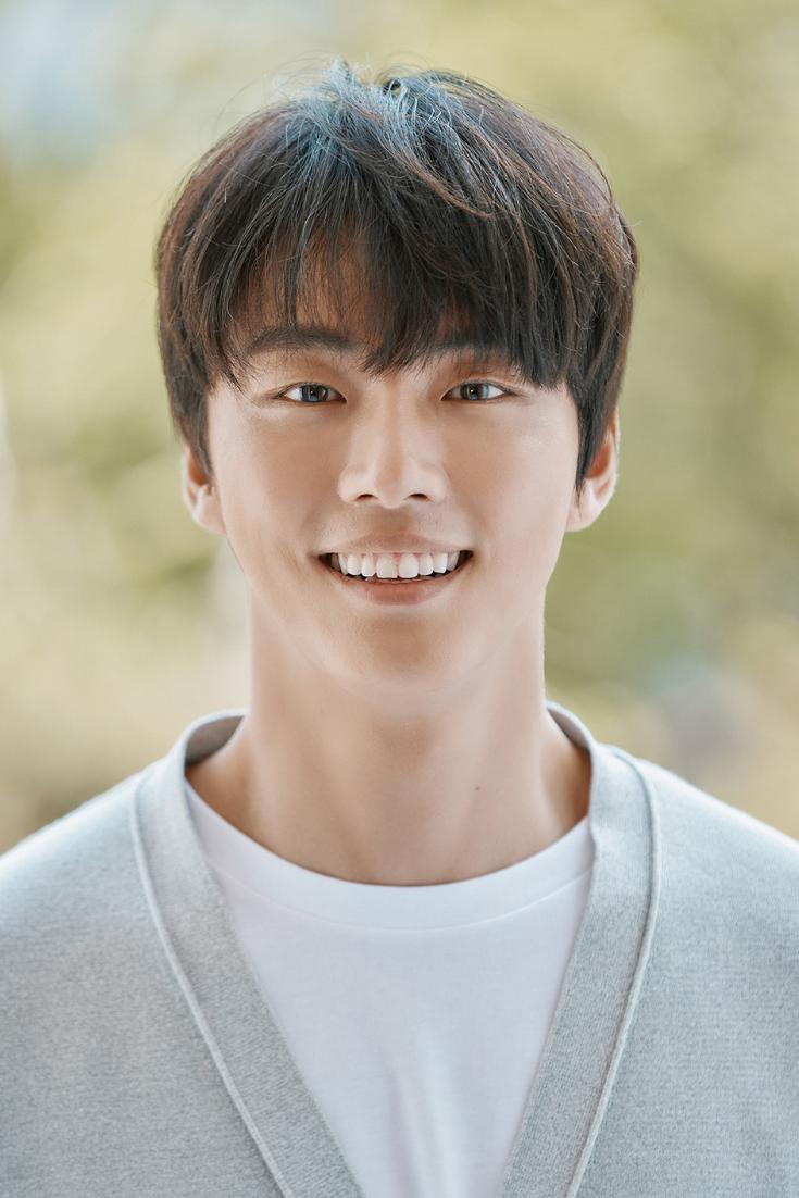Pin di Korean Actor
