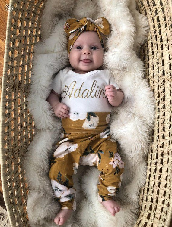 Photo of newborn baby girl coming home outfit/coming home set/baby girl floral outfit/bringing baby home/hello world