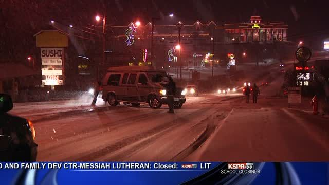 Ice and snow strand motorists all over hilly Branson | Local  - Home...we were scheduled to be in Branson on this day...glad we changed our plans!