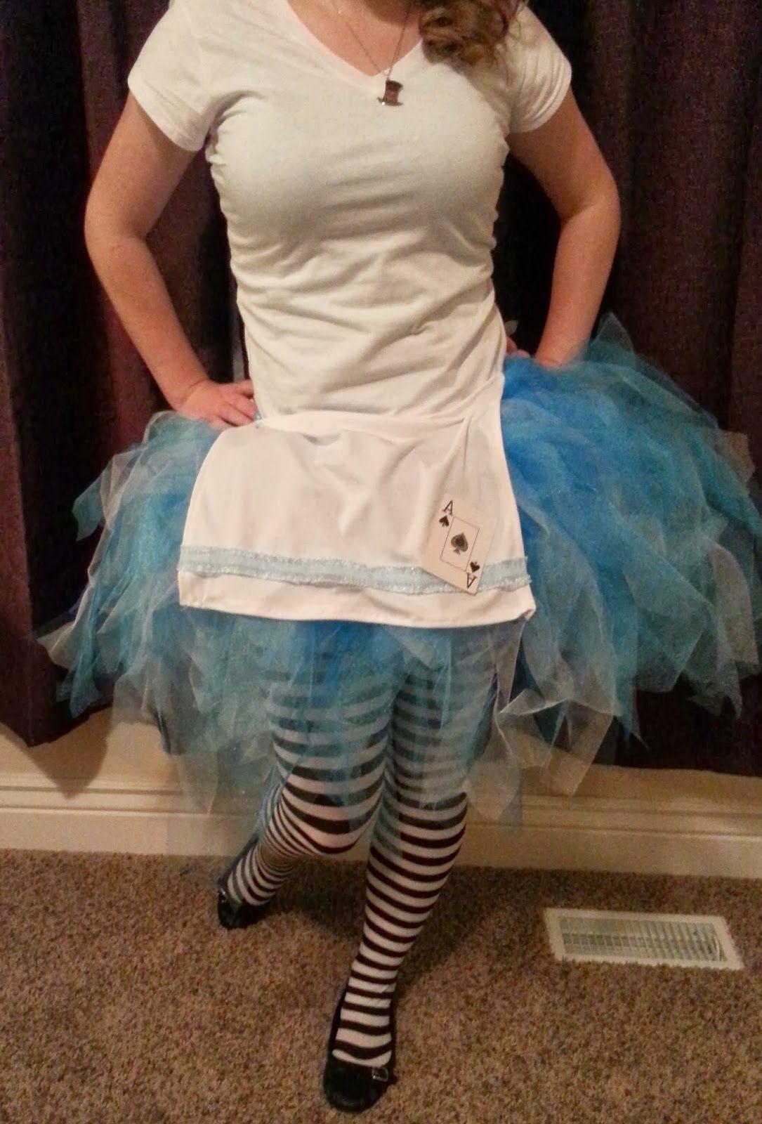 Hot glue sparkle diy fairy tale halloween costume alice in hot glue sparkle diy fairy tale halloween costume alice in wonderland solutioingenieria Gallery