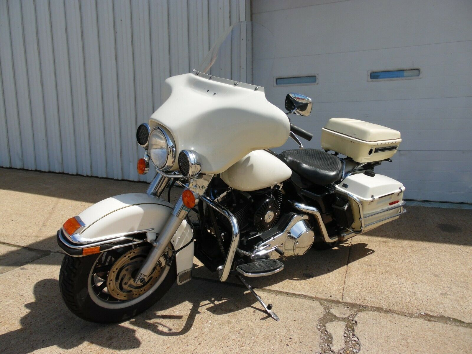 2001 Harley Davidson Touring 2001 Harley Davidson Flhtpi Police Interceptor Bike Electra Glide To Harley Davidson Touring Harley Davidson Bikes Harley Davidson [ 1200 x 1600 Pixel ]