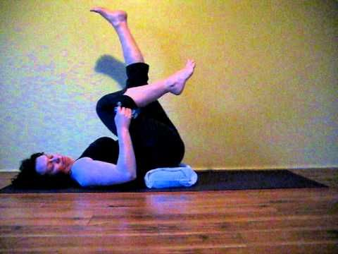 knee stretch  at home workouts get healthy yoga