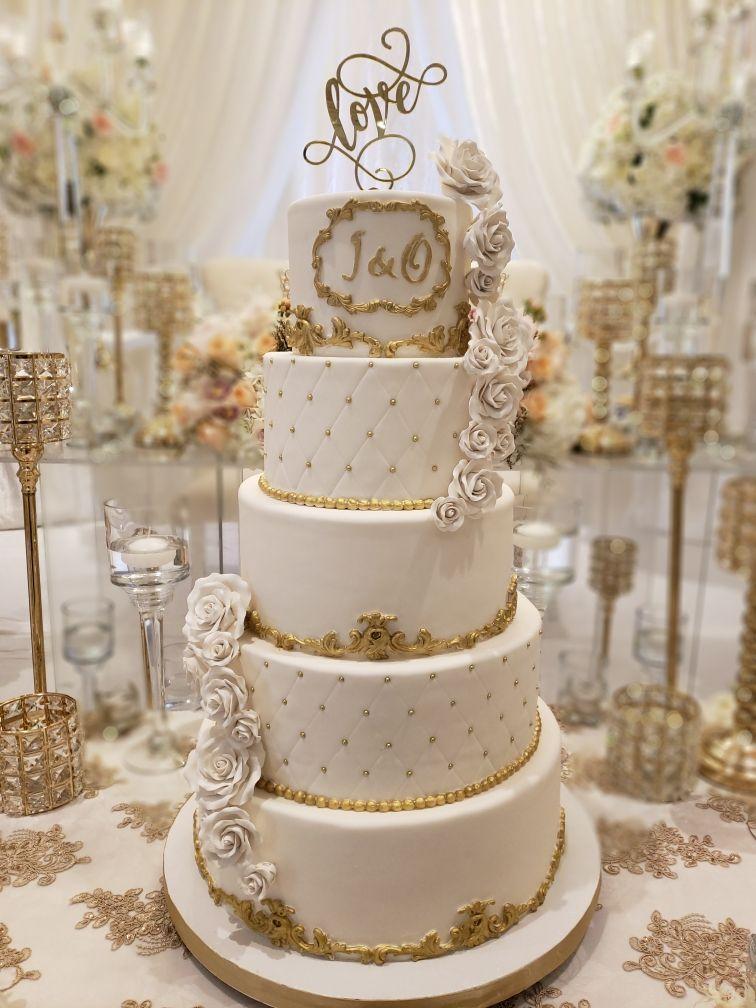 Pin By Valarie Klein On Elegant Wedding Cake Wedding Cake Table Decorations Elegant Wedding Cakes Wedding Cake Table