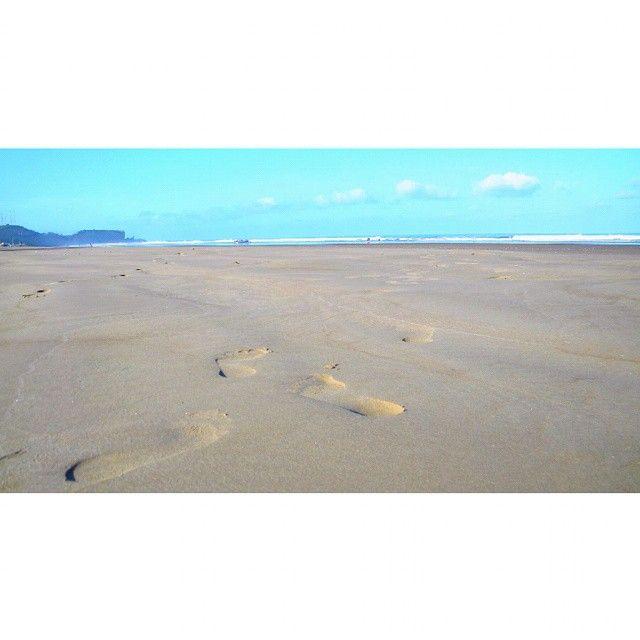 huellas, playa de Olón