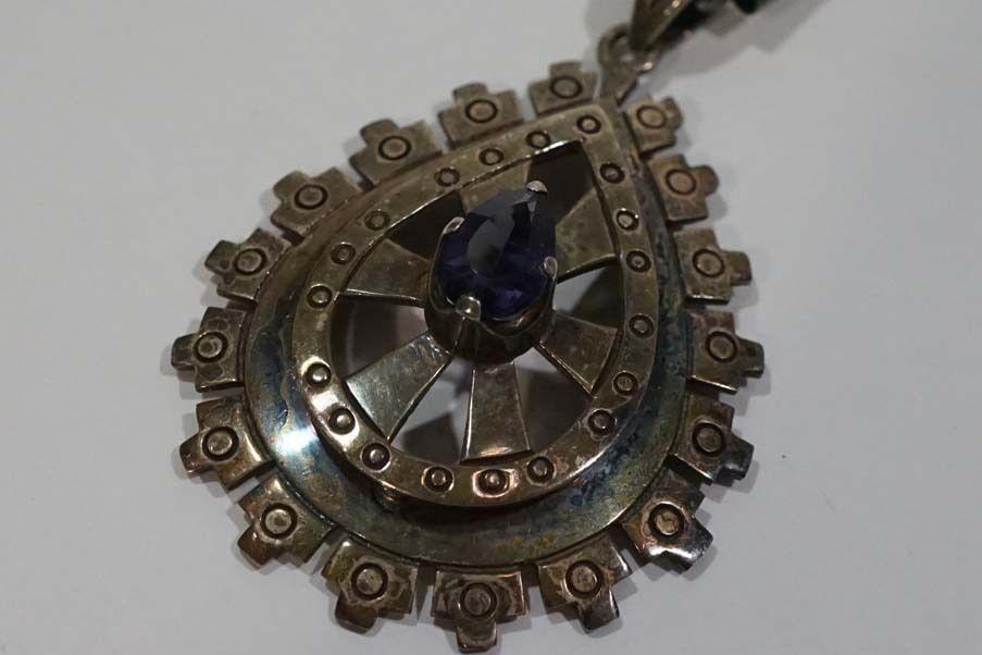 B971 Early Mexico pedro Castillo Pre Columbian Design Pendant & Chain Sterling
