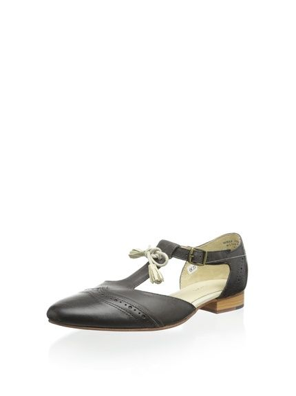 J SHOES Women's Nebula Flat, http://www.myhabit.com/redirect/ref=qd_sw_dp_pi_li?url=http%3A%2F%2Fwww.myhabit.com%2Fdp%2FB00B1ORGN8