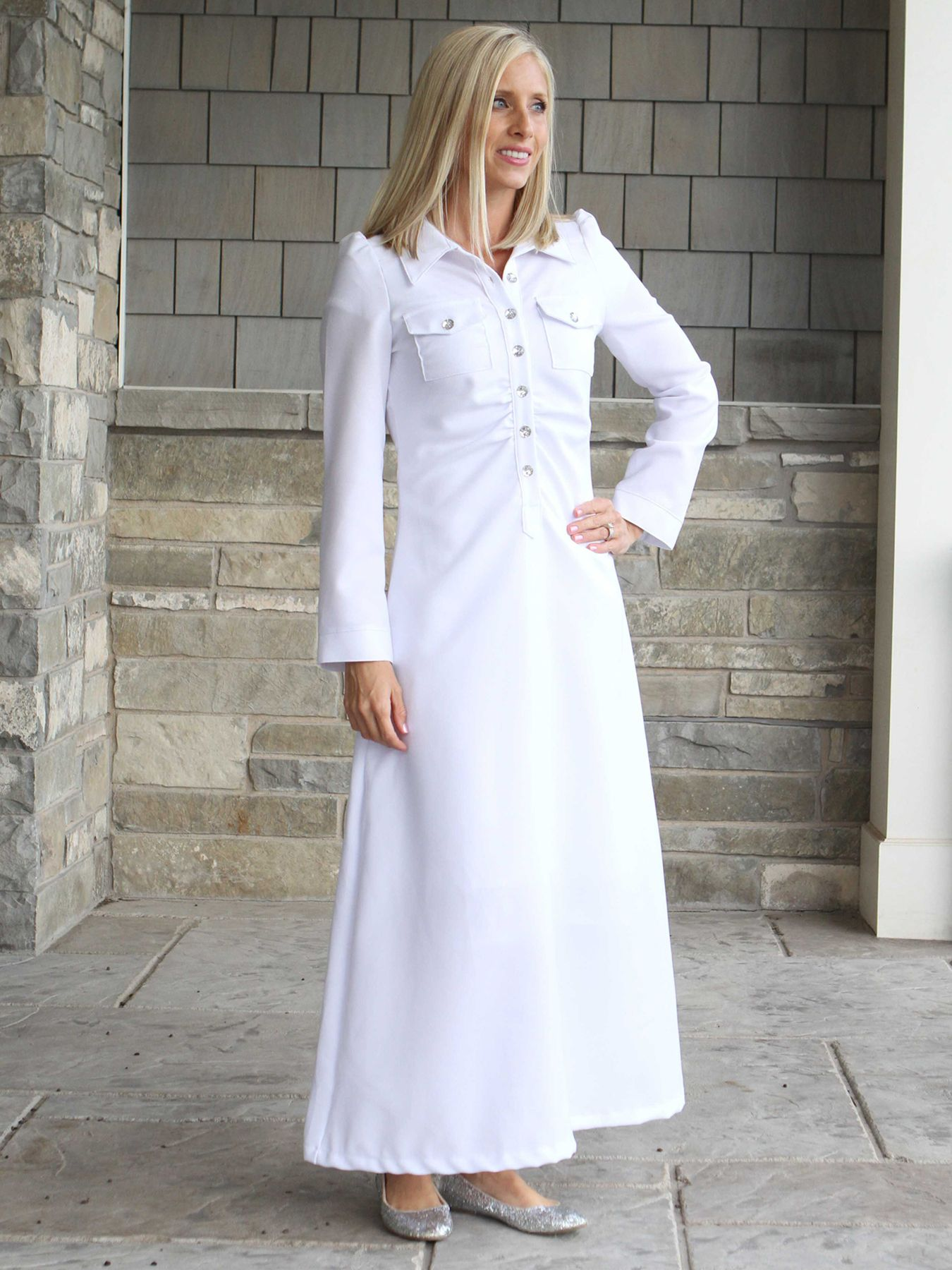 Front pleated, snap front, fitted LDS temple dress. Is flattering on any figure & has side pockets.